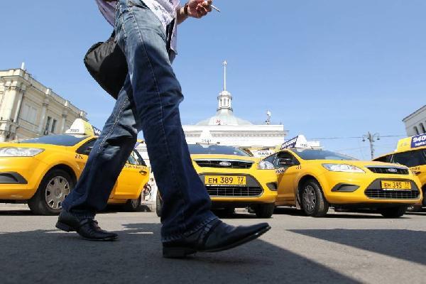 Законопроект детализирует требования по безопасности перевозок для водителей-самозанятых. Фото: Виктор Васенин